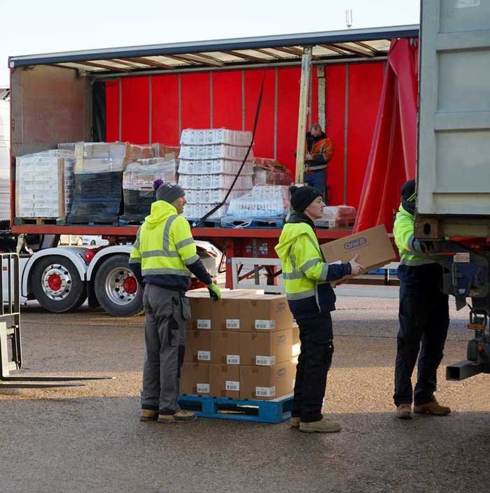 Unloading-delivery-lorry